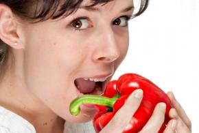 خمس عادات يجب أن تتبعها عند الأكل